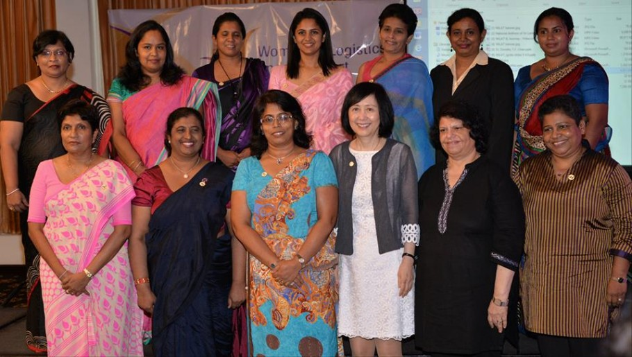 CILT Women in Transport and Logisitcs WiLAT metorning group photo