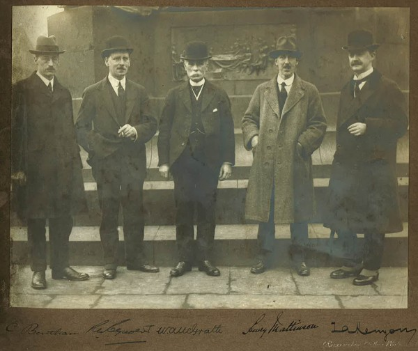 Historical image of CILT founder members