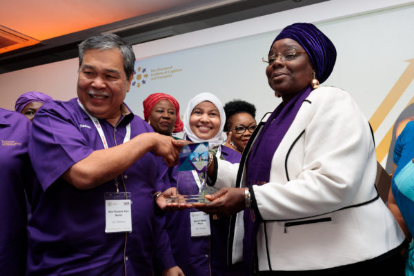 Aisha Ali Ibrahim receives a gift